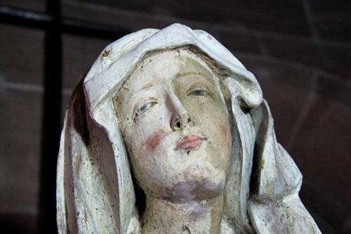 Restaurierung und Reinigung einer Marienfigur